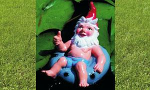 Figur Zwerg im Schwimmring 35 x 24 cm 156